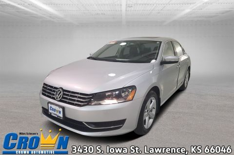 Certified Pre-Owned 2013 Volkswagen Passat TDI SE w/Sunroof 4dr Car