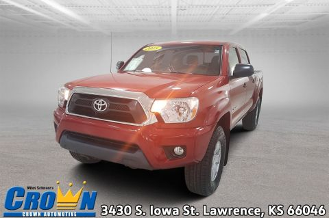 Pre-Owned 2015 Toyota Tacoma BASE Crew Cab Pickup