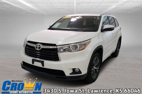 Pre-Owned 2016 Toyota Highlander XLE Sport Utility
